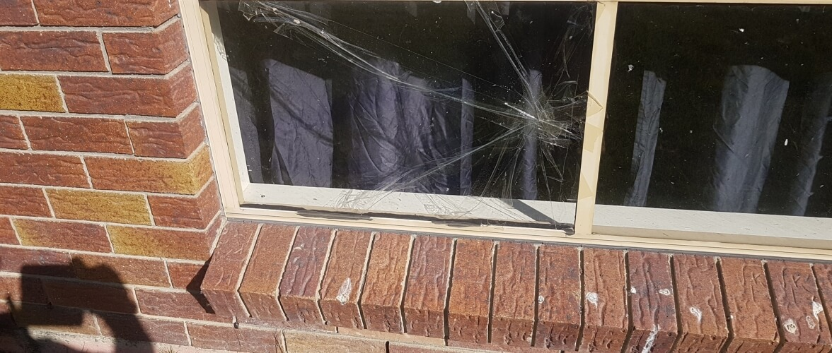 Unbreakable Glass Home Slider Broken Glass on Commerial Establishment Shop