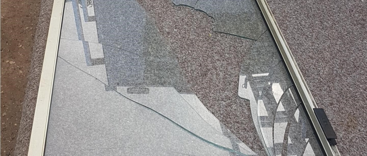 Unbreakable Glass Home Slider Shattered Glass Panel on the Floor